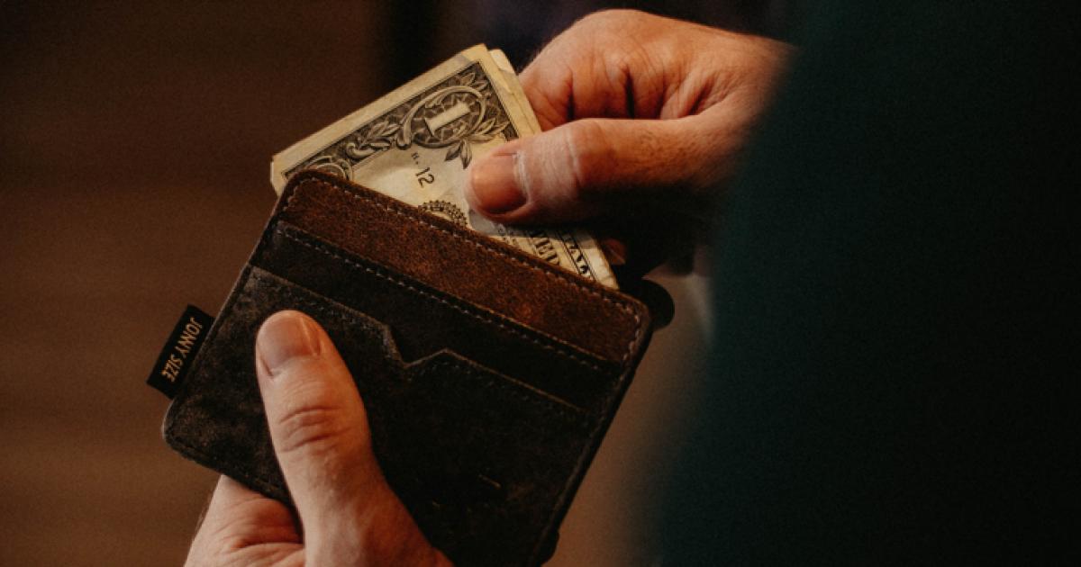 How much should you pay for a logo design? | Herosmyth